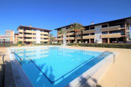 Beautiful open plan one bedroom apartment with communal pool in Vilamoura